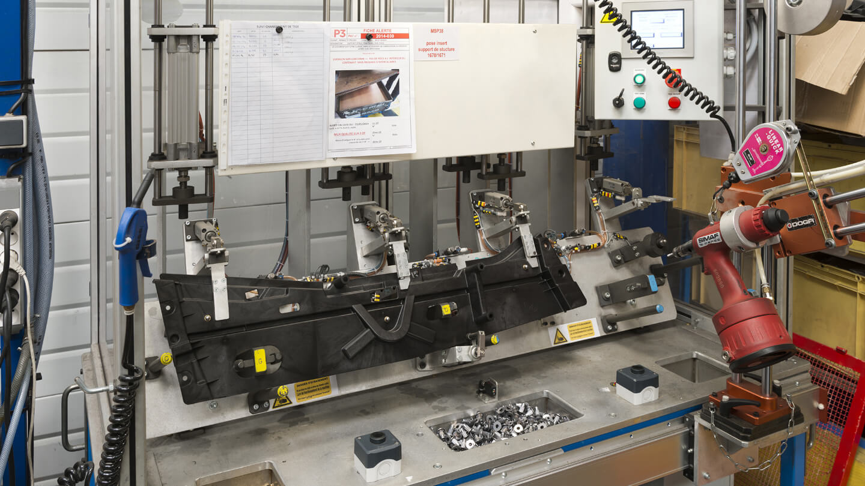 iP3 injection plastique machine